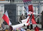Uroczystości na cmentarzu czy polityczne wiece - jak uczcić rocznicę katastrofy smoleńskiej? [SŁUCHACZE TOK FM]
