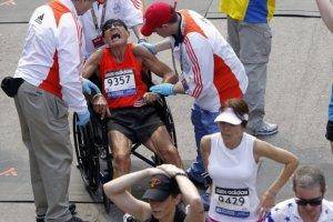 Zobacz najbardziej ekstremalne finisze maraton�w [WIDEO]