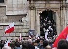Spory z Krakowskiego Przedmie�cia przenios�y si� pod Wawel