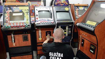 Nielegalne automaty do gry zarekwirowane przez celników