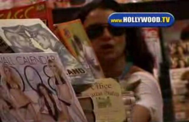 Britney robi zakupy w seks shopie! Filmik!