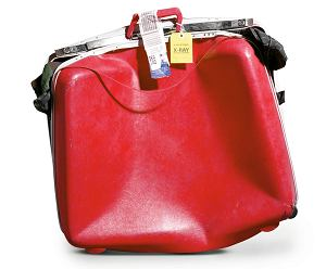 Jeśli twój bagaż jest zniszczony, zgłoś to jak najprędzej.