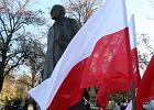 Apel do prezydenta: Prosz� nie sk�ada� kwiat�w pod pomnikiem Romana Dmowskiego
