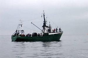 Na Ba�tyku zaton�� kuter. Sze�ciu rybak�w uratowanych