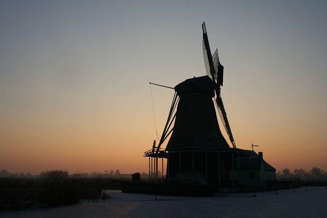 Wiatrak to nieodłączny element holenderskiego krajobrazu