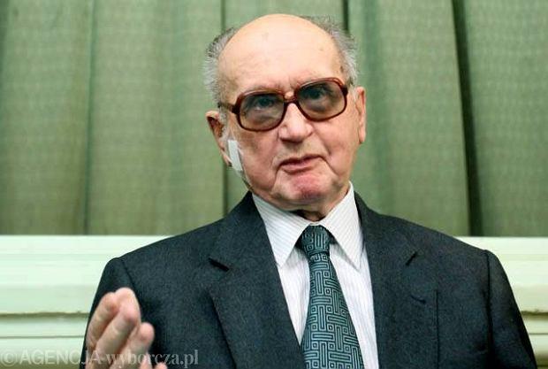 Generał Jaruzelski w stanie stabilnym w klinice hematologii