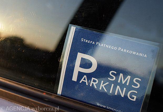 Wreszcie b�dzie mo�na kupi� karty parkingowe