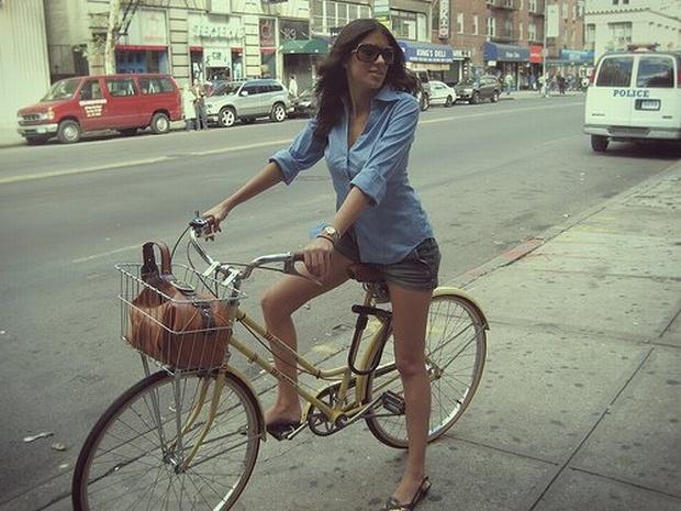 красивые девушки на велосипеде фото