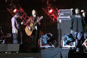 Powrót Edyty Bartosiewicz jest największym wydarzeniem Orange Festivalu. Piosenkarka zrobiła sobie wieloletnią przerwę. Paparazzi weszli na próbę i zrobili pierwsze zdjęcia Edyty po powrocie. Występ zaczął się o 21:30.