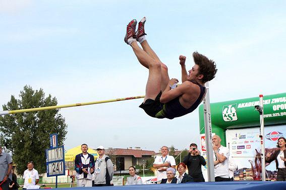 Iwan Uchow w Opolu pokonuje 2,36 m