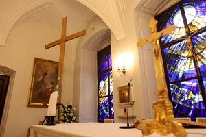 Kuria: Kaplica to godne miejsce na krzy�