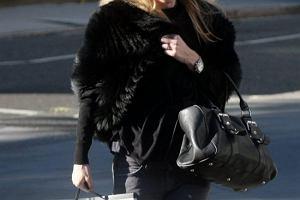 Kate Moss podczas kariery modelki wielokrotnie wyst�powa�a w futrach, tak�e w �yciu prywatnym.