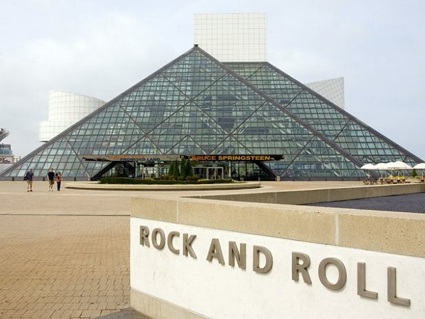 Green Day, Lou Reed, Joan Jett and the Blackhearts, Stevie Ray Vaughn, Bill Withers oraz Paul Butterfield Blues Ban zostaną w przyszłym roku wprowadzeni do Rock and Roll Hall of Fame.