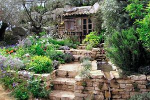 Skarpa w ogrodzie