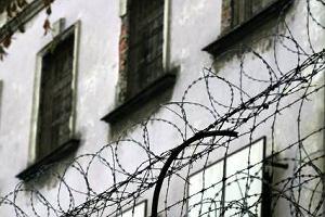 Nie czeka� wyroku, powiesi� si� w celi