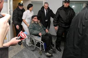 Gen. Jaruzelski po ciężkim zapaleniu płuc opuścił szpital