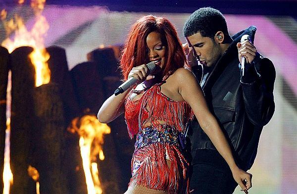 Rihanna podobno spodziewa się dziecka. Ojcem ma być Drake.