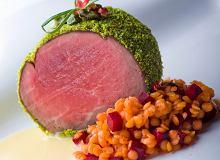 Comber sarni z pistacjami i soczewic� na sosie bia�e mas�o - ugotuj
