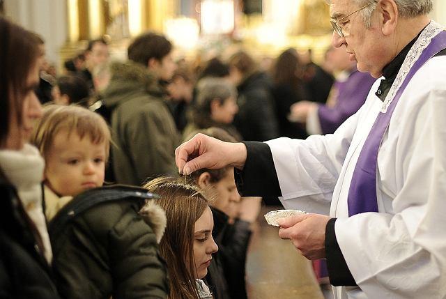 Środa Popielcowa w kościele św. Krzyża