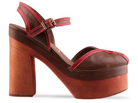 f7d044b89cef7 Inspiracją dla modelu Nicky Says były bardzo podobne buty vintage należące  do Nicky. Blogerka zauroczona ich krojem, zaproponowała marce Jeffrey  Campbell ...