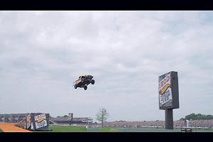 Rekord �wiata w skoku samochodem