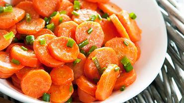 Młoda marchewka glazurowana