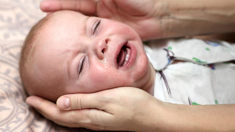Szczególnie narażone na zakażenie rotawirusem są dzieci od 6. miesiąca do 2. roku życia.  Szczepionka na rotawirusy znajduje się wśród szczepień zalecanych, a więc płatnych