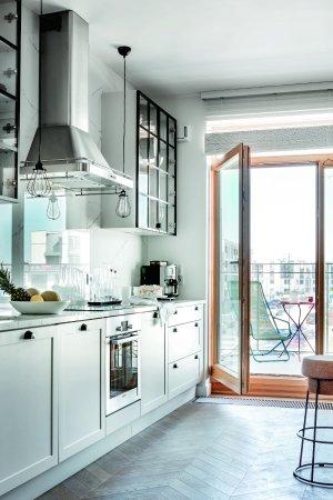 Kuchnia Z Oknem Balkonowym Budowa Projektowanie I Remont Domu
