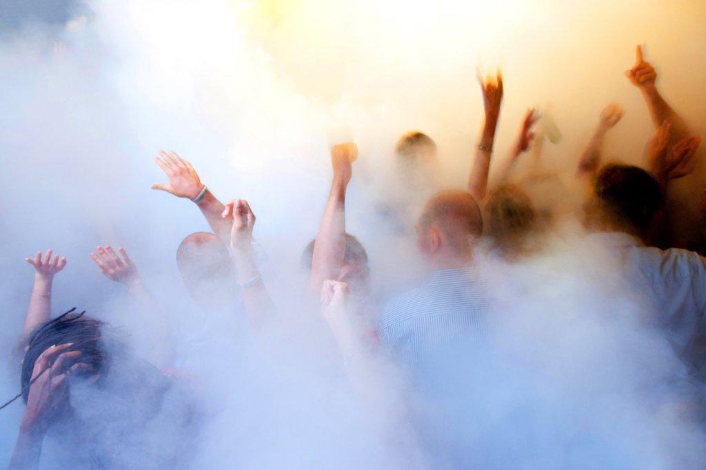 'Tonący w Dymie' - to zdjęcie rozpoczęło karierę Filipa Wolaka (fot. Filip Wolak)