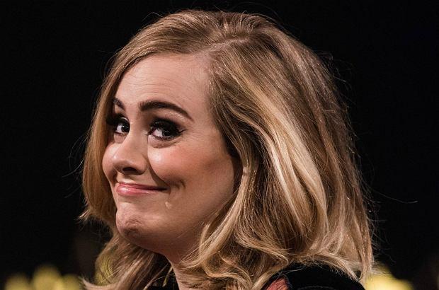 Adele niechętnie opowiada o życiu prywatnym. Ale to nie słowa, a jeden szczegół zdradził nowinę, że piosenkarka prawdopodobnie jest już po ślubie!