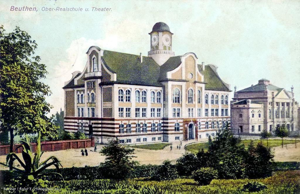 Gmach szkoły zachował swój pierwotny wygląd