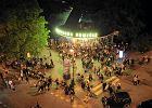 Letnia noc przed klubem Warszawa Powi�le - czerwiec 2013