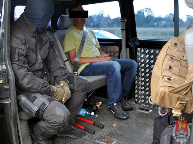 Policja rozbi�a gang z�odziei samochod�w