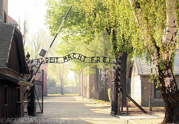 Brama by�ego niemieckiego obozu koncentracyjnego Auschwitz