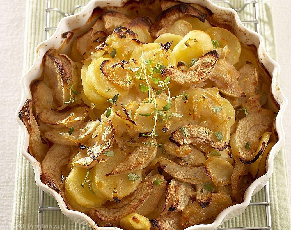 Zapiekanka z jabłek, ziemniaków i cebuli