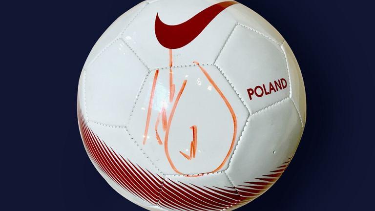 Piłka z autografem Krychowiaka