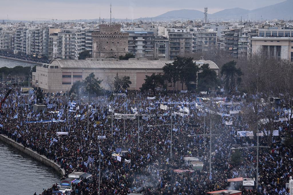Protest w Salonikach przeciwko używaniu nazwy Macedonia przez sąsiada Grecji