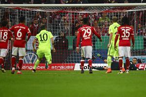 Puchar Niemiec. Bayern awansowa�, Lewandowski na �awce