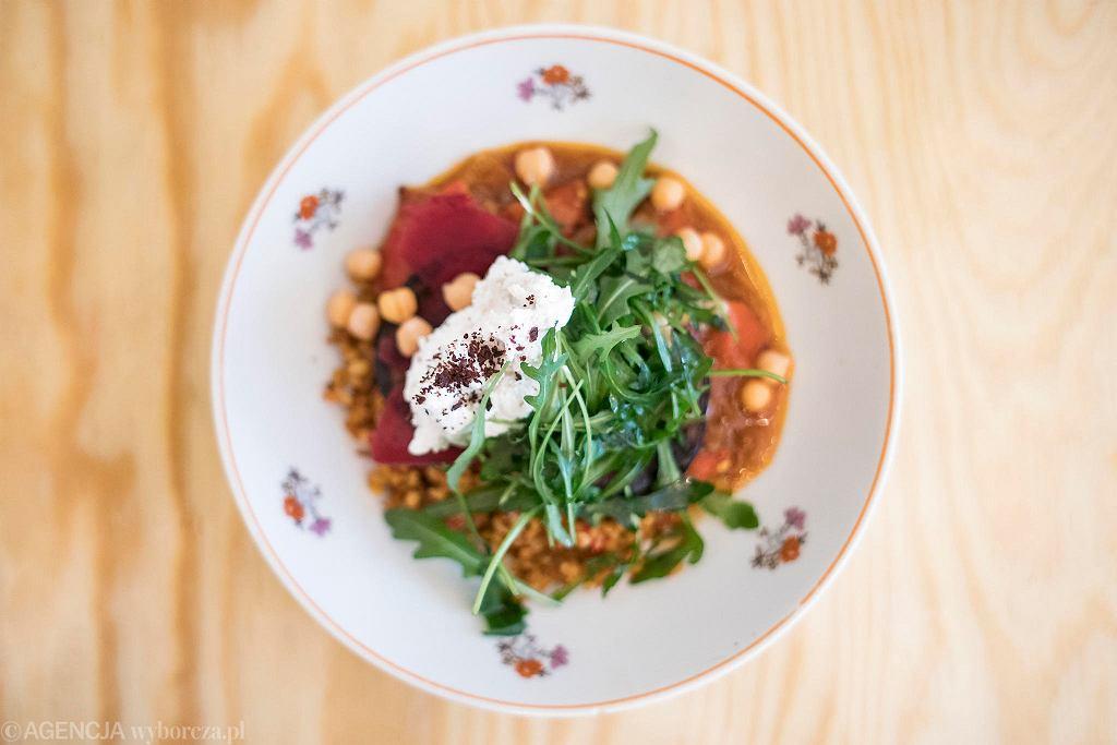 Kuchnia Konfliktu Na Stale Wegetarianskie Potrawy Przygotowywane