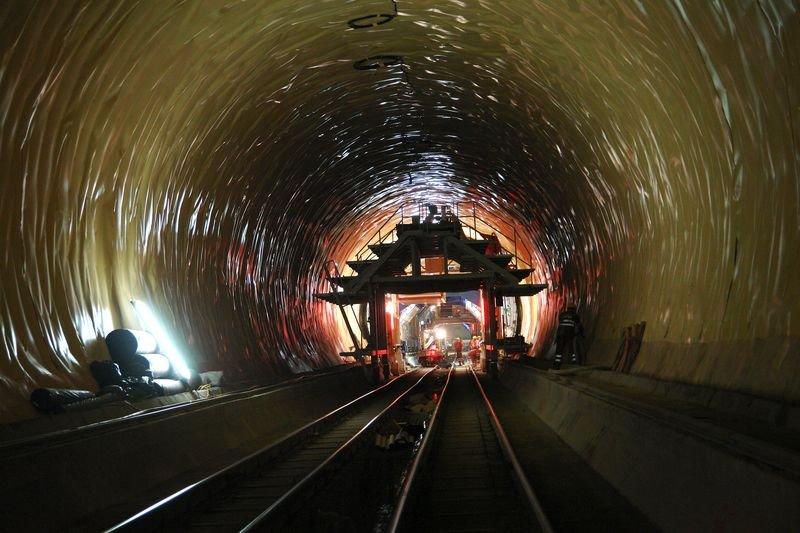 Najdłuższy tunel kolejowy świata, Szwajcaria
