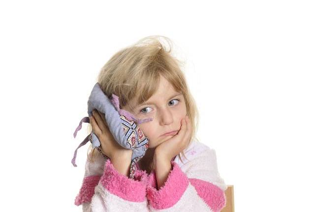 Zapalenie ucha dotyczy najczęściej niemowląt i małych dzieci, u których układ odpornościowy dopiero się kształtuje, a budowa anatomiczna sprzyja rozwojowi zakażenia