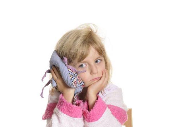 Zapalenie ucha dotyczy najcz�ciej niemowl�t i ma�ych dzieci, u kt�rych uk�ad odporno�ciowy dopiero si� kszta�tuje, a budowa anatomiczna sprzyja rozwojowi zaka�enia