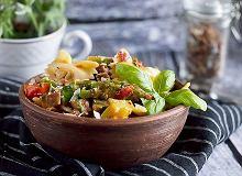 Makaron z kark�wk�, szparagami i grzybami - ugotuj