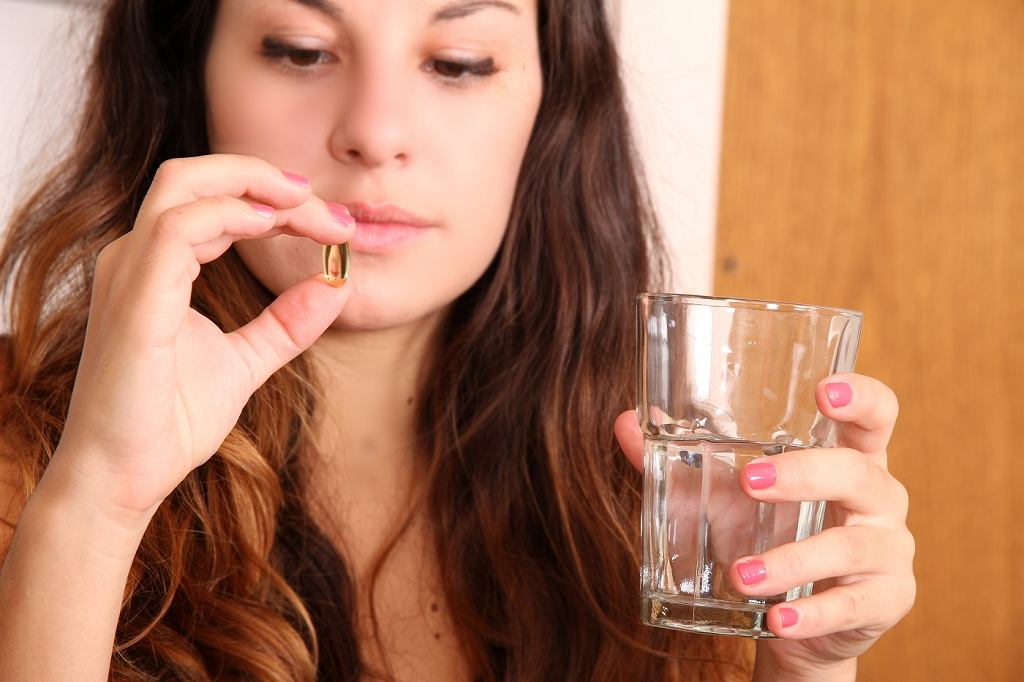 Codzienna suplementacja witaminy D nie ma wpływu na wzmocnienie kości albo jest on negatywny