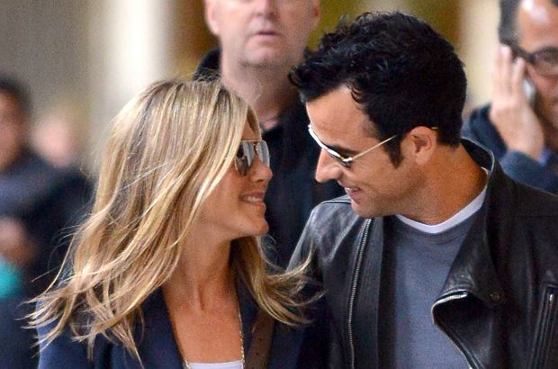 Rep 359746 Paris/France June 11th, 2012 Non Exclusive Jennifer Aniston and Justin Theroux spend a few days in Paris. They're seen here walking Near the Palais Royal.