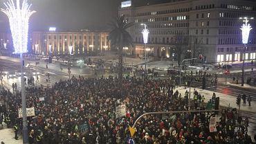 Czarna Środa - protest przeciw zaostrzeniu ustawy antyaborcyjnej i odrzuceniu w Sejmie projektu Ratujmy Kobiety. Warszawa, 17 stycznia 2017