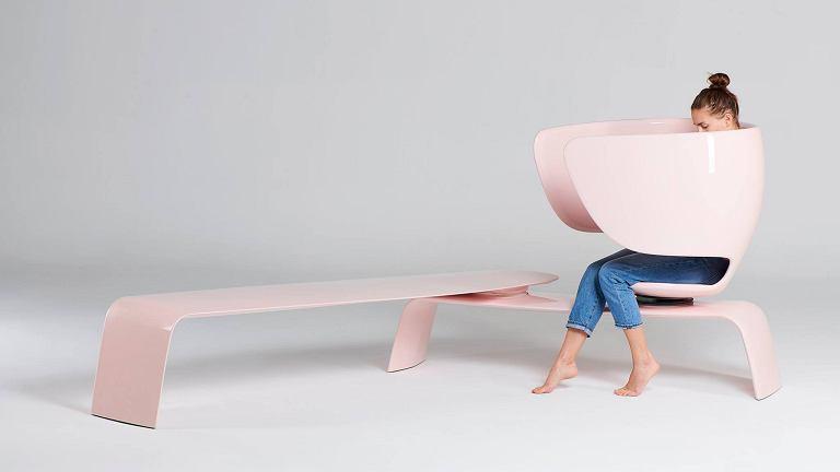 Piękny fotel dla karmiących piersią. Będzie elementem przestrzeni publicznej?
