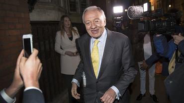 Były burmistrz Londynu, Ken Livingstone, zasłynął  m.in. tym, że porównał żydowskiego dziennikarza do nazisty. Oskarżał też Żydów o kolaborację z Hitlerem, co skończyło się zawieszeniem go w Partii Pracy.