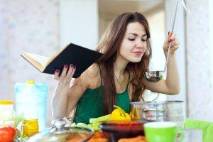 Stawiasz swoje pierwsze kroki w kuchni? Sprawdź nasze proste przepisy!