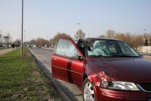 Samochód śmiertelnie potrącił 18-latkę na przejściu